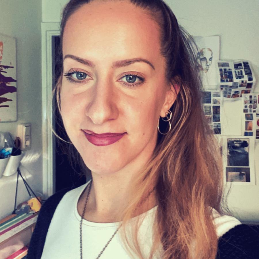 Isabelle de Brito - Artist, art director and graphic designer